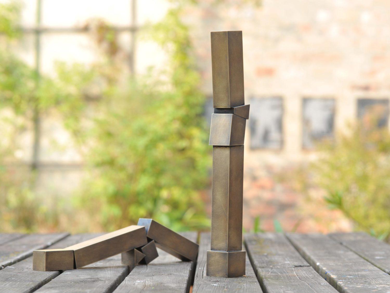 Sculptures, oxidized brass, h 36 cm, l 33 cm, 2009